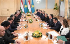 Meeting with President of Tajikistan Emomali Rahmon in expanded format